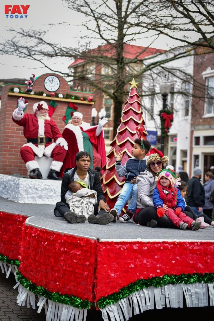 2019 Fayetteville NC Rotary Christmas Parade – FayToday